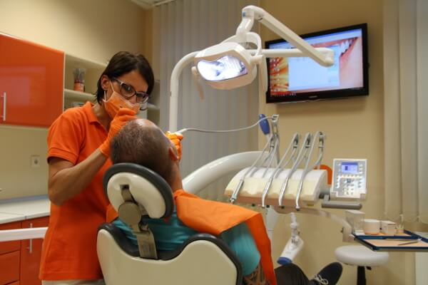 Zahnklinik Ungarn Med-Hun-Dental